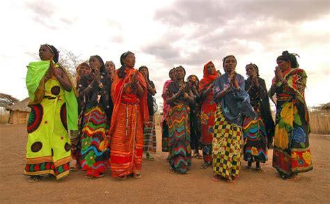 El lago Turkana, un viaje a Kenia que cambiará tu ...