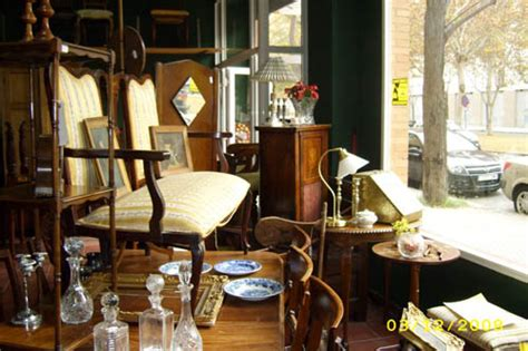 El Mercadillo Inglés, muebles antiguos de importación en ...