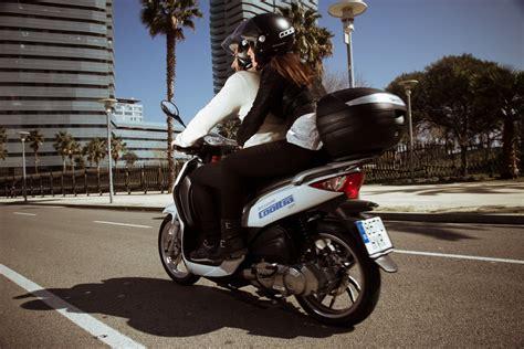El moto sharing de eCooltra llega a Madrid
