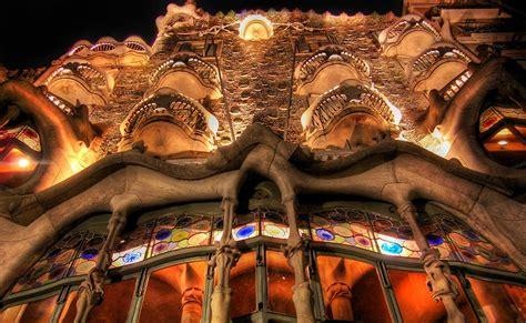 El Origen del Mundo: Gaudi y el Modernismo en Catalunya