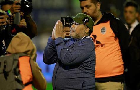 El partido de Maradona ante River: abrazo con Gallardo ...