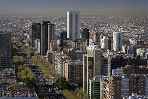 El paseo de la castellana  Madrid  se reactiva con la ...