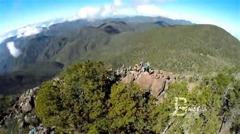 El Pico Duarte desde el aire.   YouTube