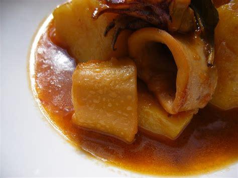 el placer del paladar: Calamares en Salsa con Patatas