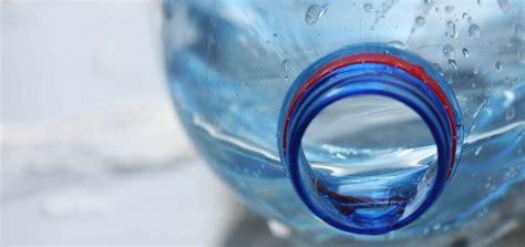 El problema de la contaminación del agua y sus posibles ...