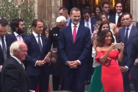 El rey Felipe coincide en una boda con la presunta amante ...