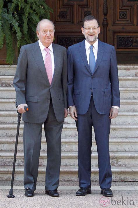 El Rey Juan Carlos y Mariano Rajoy tras su despacho en ...