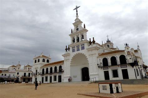 El Rocio – Spain's Strangest Town – Andalucia's Wild West ...