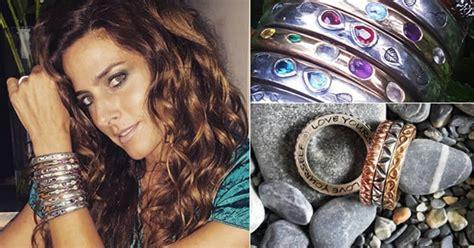 El secreto en las joyas curativas de Paola Saad
