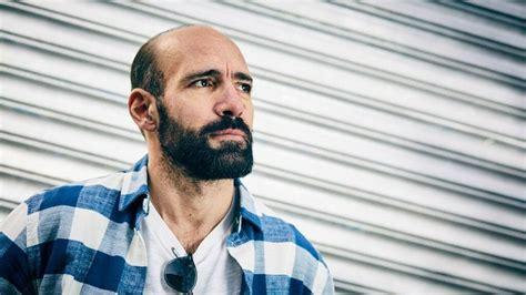 El sufrimiento de un presentador de radio español   CromosomaX