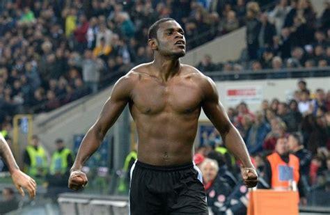 El Tanque Duvan Zapata le disparó y frenó a la Juventus