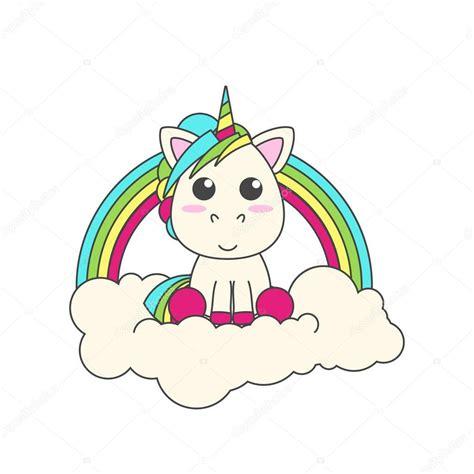 El Unicornio se encuentra en una nube. Detrás de él está ...