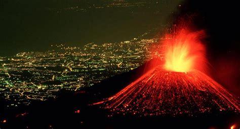 El volcán Etna entra en erupción | ACTUALIDAD | OJO