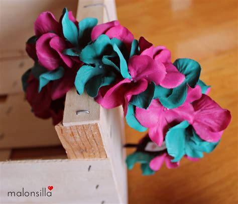 Elena de boda con diadema de flores  Perlora    Malonsilla ...