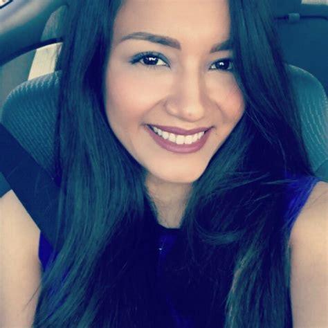 Elizabeth Rojas  @ElizabethAnnie_    Twitter