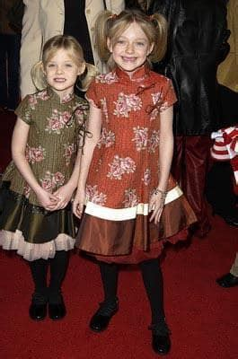 Elle and Dakota Fanning Set for My Sister s Keeper   Movie ...