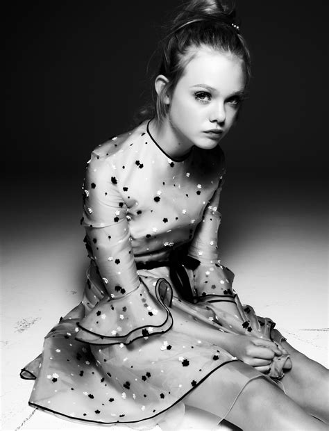 Elle Fanning photo gallery   high quality pics of Elle ...