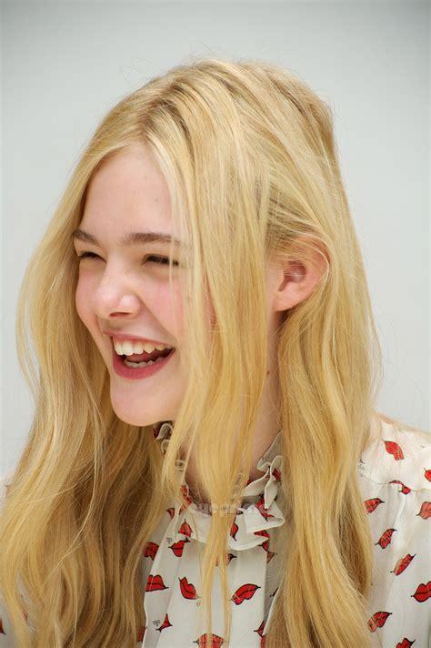 """Elle Fanning: """"Super 8″ Press Conference   Elle Fanning ..."""