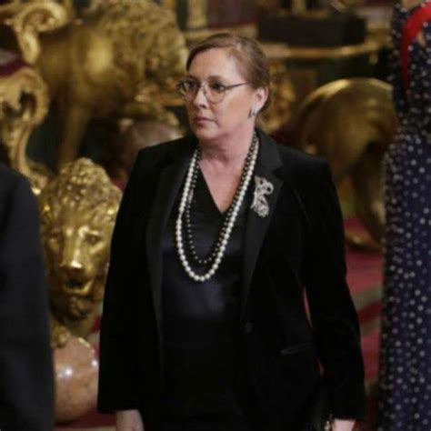 Elvira Fernández, mujer de Mariano Rajoy, abandona la ...