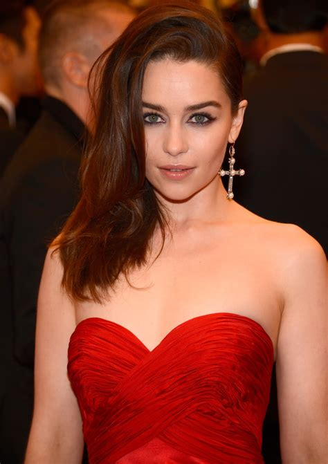 Emilia Clarke Hot Cleavage Spicy HQ Photos  PUNK Chaos To ...