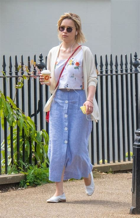 Emilia Clarke in Casual Outfit   Grabs a Coffee in London ...