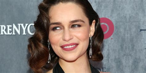 Emilia Clarke Talks Dieting And Exercise, Admits She Can t ...