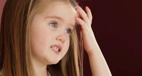 Emily James la pequeña que cortó su cabello para donarlo ...