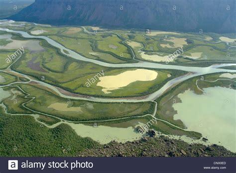 En el delta del río Rapa Rapa Valle, Suecia, Laponia ...