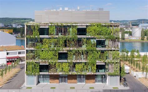 en verde: las fachadas vivas de Rahul Mehrotra | Fachada ...