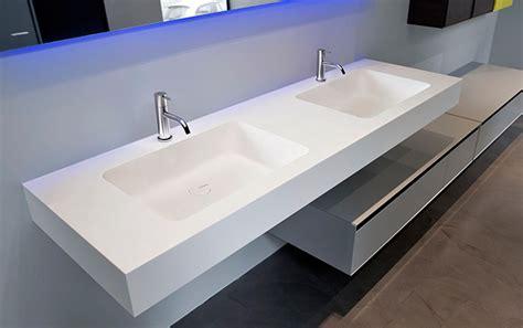 Encimeras de Corian a medida, muebles de baño,bañeras ...