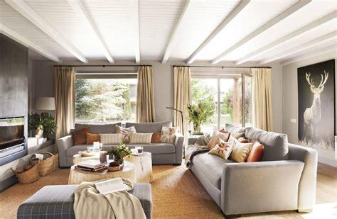 Encuentra el sofá perfecto para cada tipo de salón  con plano