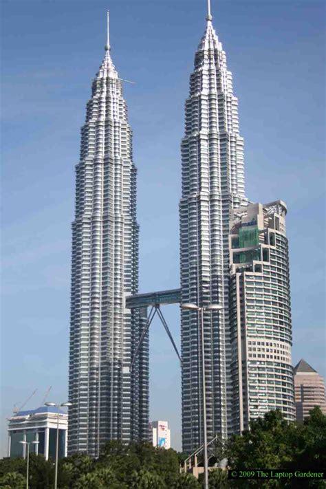 Encyclopedia: Twin Tower