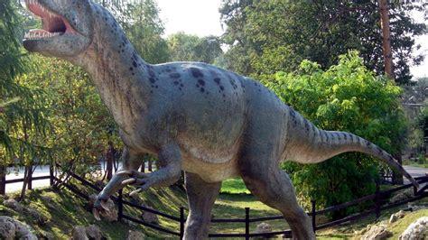 Enorme dinosaurio carnívoro busca hogar  por medio millón ...