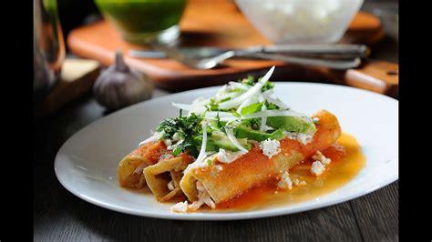 Entomatadas de pollo   Receta fácil de comida mexicana ...
