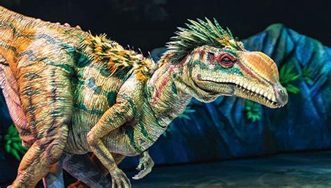 Entradas caminando entre dinosaurios   El Corte Inglés