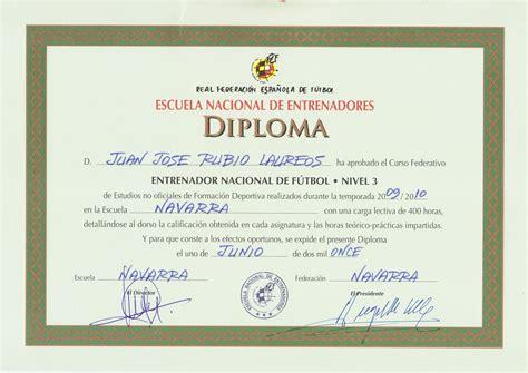 ENTRENADOR NACIONAL DE FUTBOL   DIRECTOR TECNICO DE FUTBOL