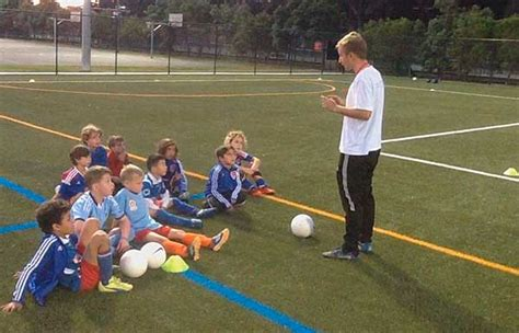 Entrenamiento a niños de 7 – 9 años Fútbol Básico – Fútbol ...