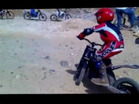Entrenamiento Trial moto eléctrica niño en Telde  Las ...
