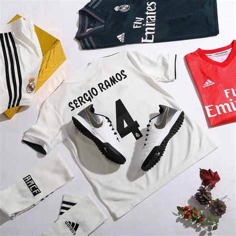 Equipación completa de Sergio Ramos con camiseta del Real ...