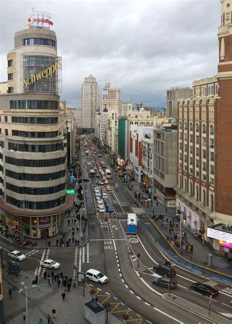 [:es]La Gran Vía madrileña y la avenida Corrientes de ...