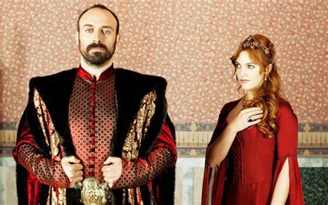 Escándalo en Turquía con los protagonistas de  El Sultán ...