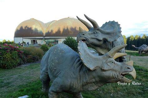 Escapada a Lastres con visita al Museo Jurásico de ...