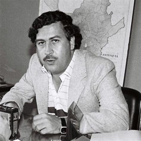 ESCOBAR: 17 AÑOS DE HISTORIA DEL CRIMINAL   Pablo Escobar ...