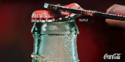 Escucha estos nuevos anuncios impresos de Coca Cola