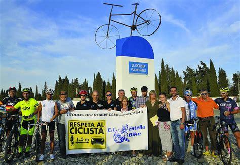 España Bizarra — Rotonda del ciclista vulnerable  Jerez de ...