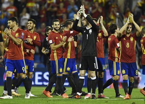 España clasifica al Mundial y manda al repechaje a Italia ...
