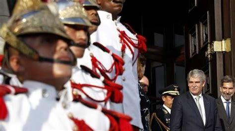 España repatriará a 31 presos que cumplen condena en Perú