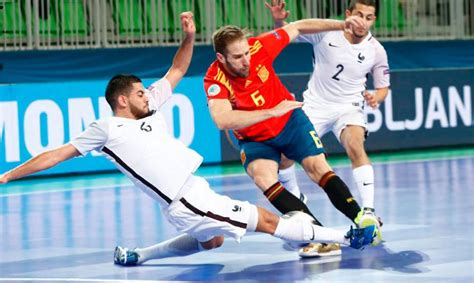 España salva un punto ante Francia con el juego de cinco ...