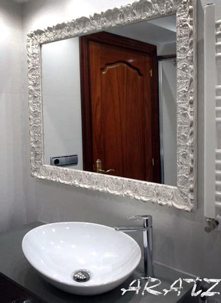 Espejo para baño con moldura blanca decapada en 2019 ...