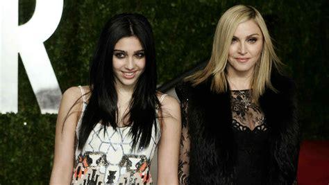 Esta foto de Madonna con su hija Lola levantó la polémica ...